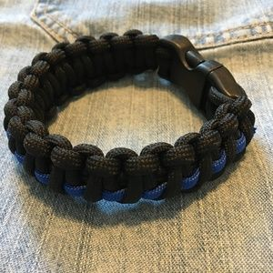 Jewelry - Survivalist Paracord Bracelet